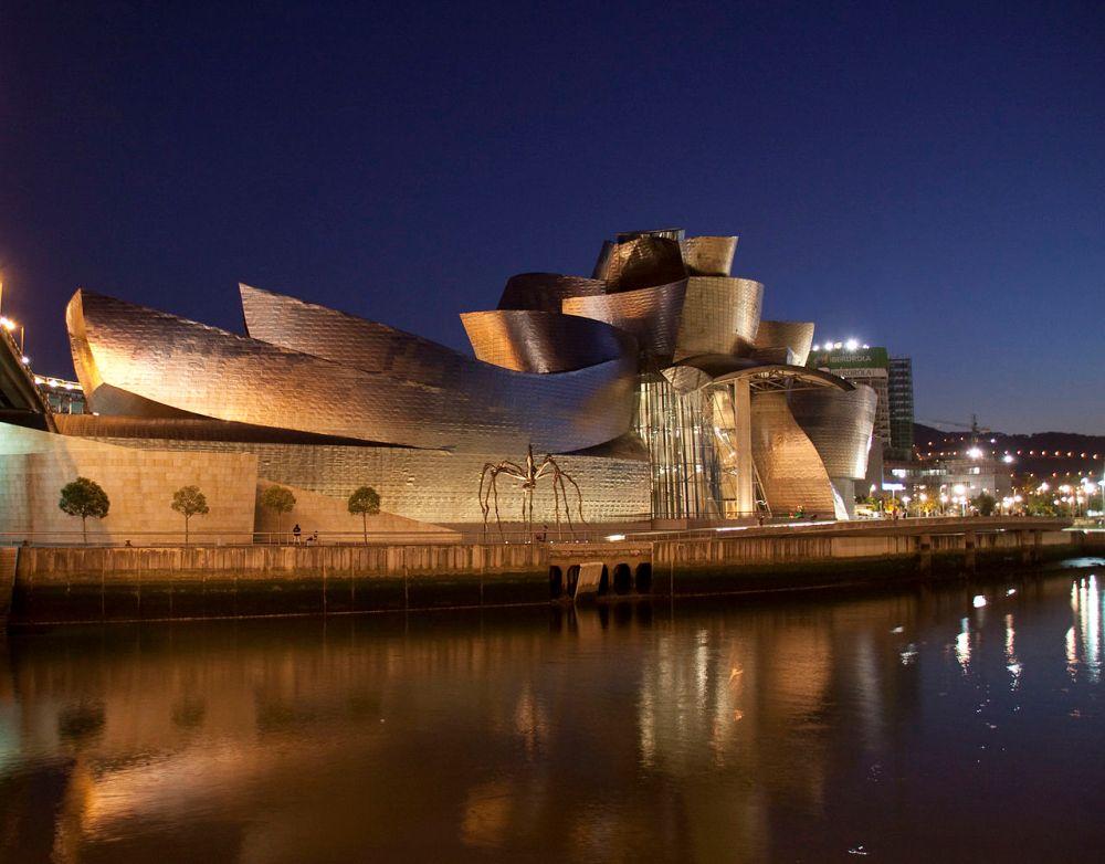 1280px-Guggenheim_night_2_(3804035123).jpg
